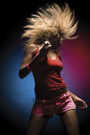 jeune fille qui danse